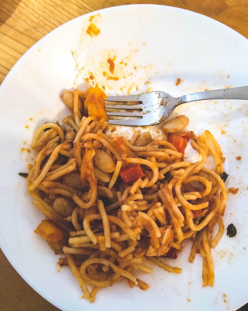 Spaghetti z tuńczykiem i białą fasolą, czyli przepis na szybki obiad